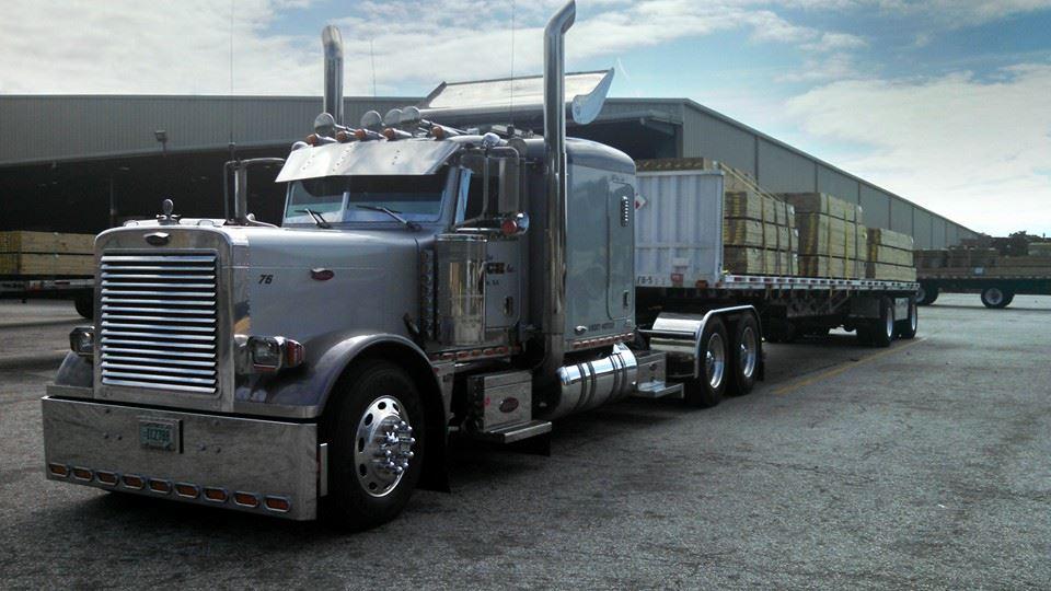Flatbed-hauling-gooch-trucking