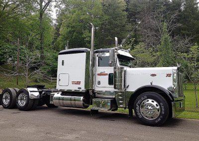 GT 72 Black White 2007 Peterbilt 379 Truck Driver Cody McBrides
