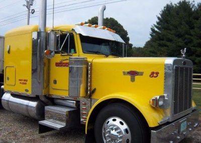 GT 83 Yellow 2004 Peterbilt 379 Truck Driver Jerry Hemphill